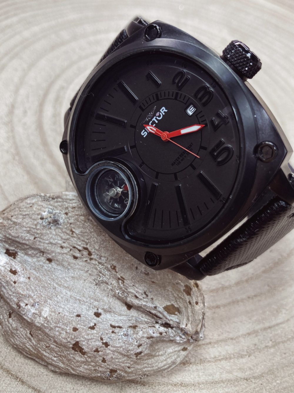 Montre sector